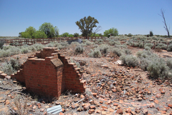Blog_Kinchega_homestead_bricks_IMG_7235.jpg
